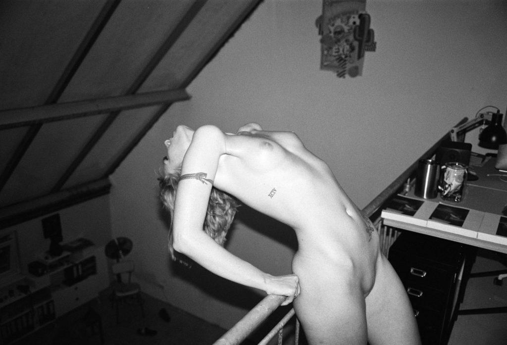 Wiebke auf Film in meinem Studio fotografiert